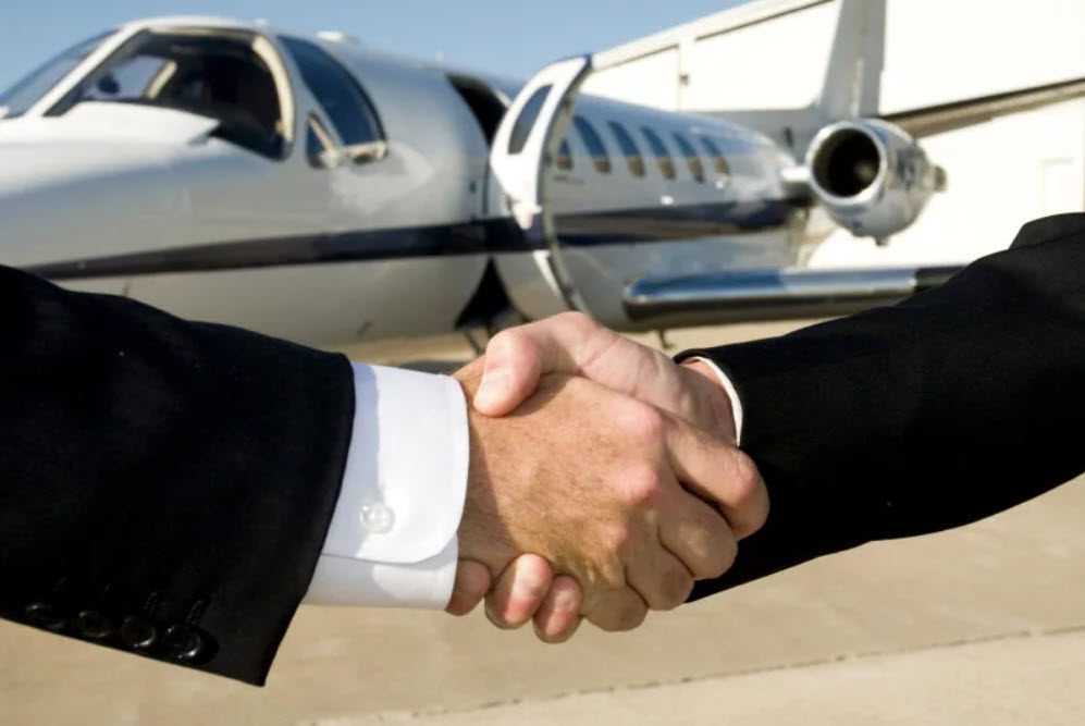 private jet broker
